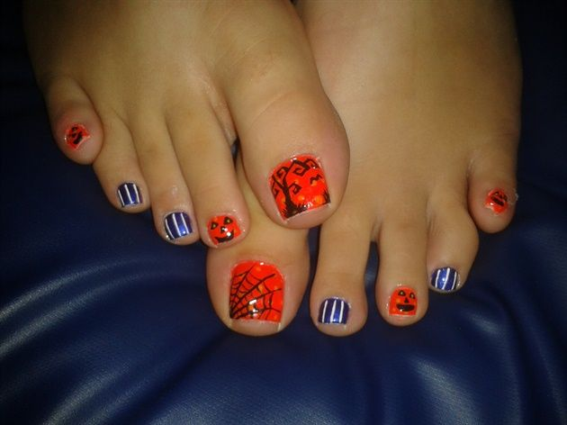 Toes By R7777 From Nail Art Gallery Halloween Toe Nails Halloween Nail Designs Pedicure Nail Designs