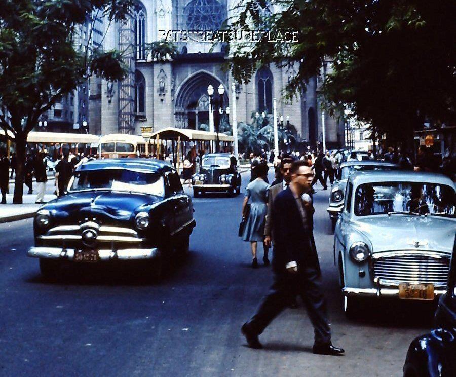 Rara imagem colorida da antiga São Paulo dos anos 50, Praça da Sé