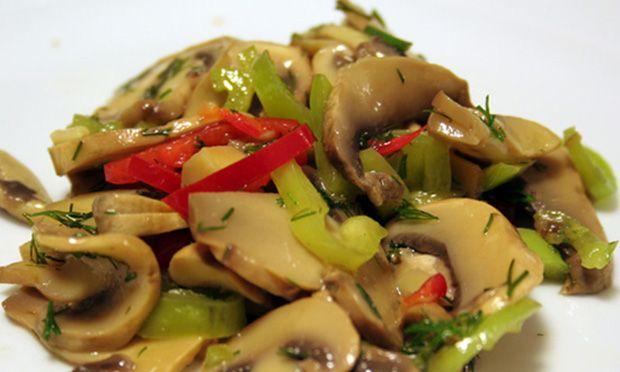 Mantar Salatası - Salatalar - Tarifler - Kırmızı Yeşil