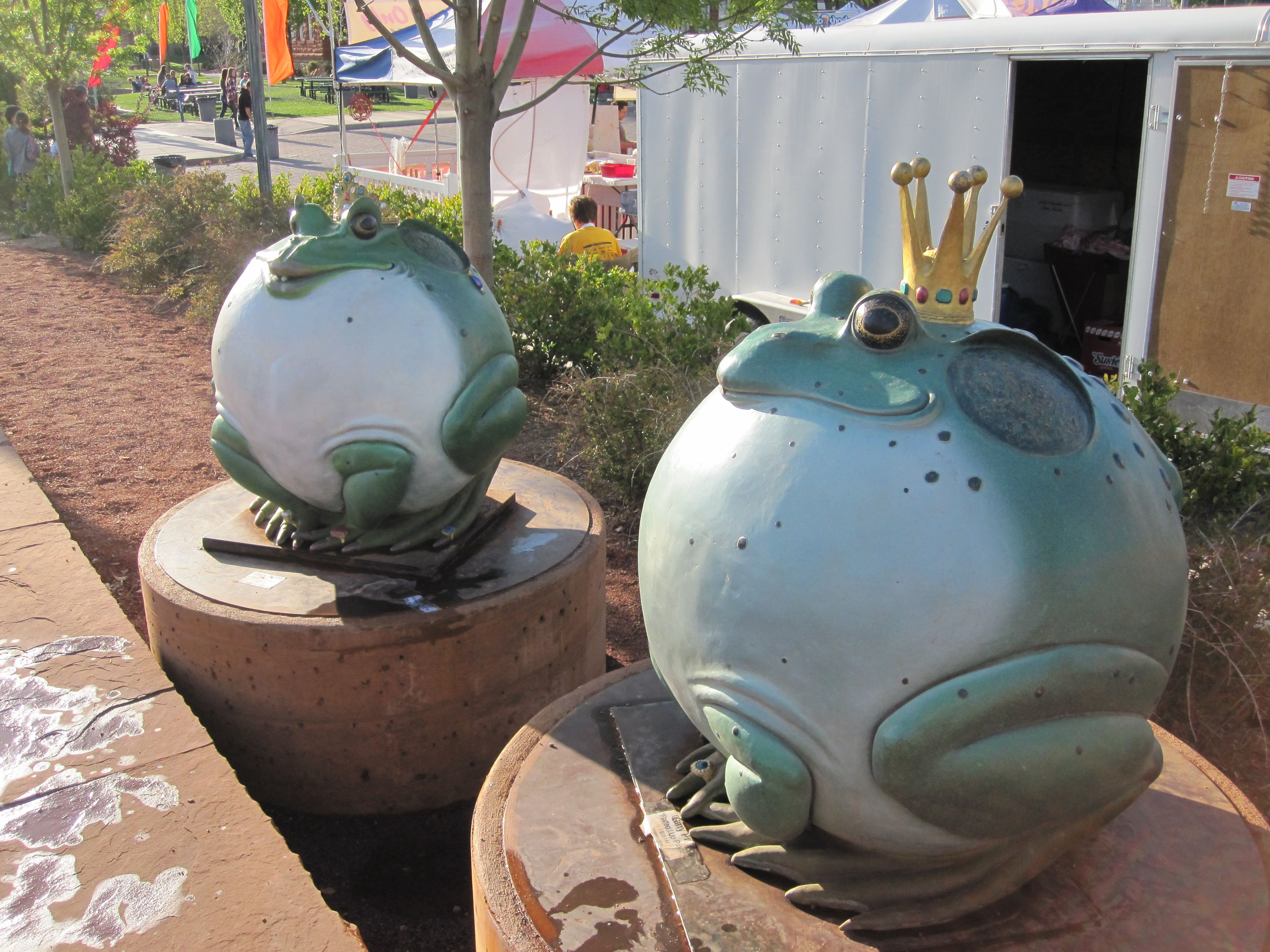 Frog Royalty Cute Sculptures That Reigned Over The Event St George Utah St George Art Festival