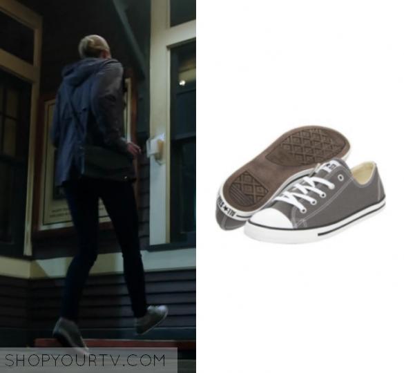 52d2fec8bdd2 Riverdale  Season 1 Episode 12 Betty s Grey Converse Sneakers