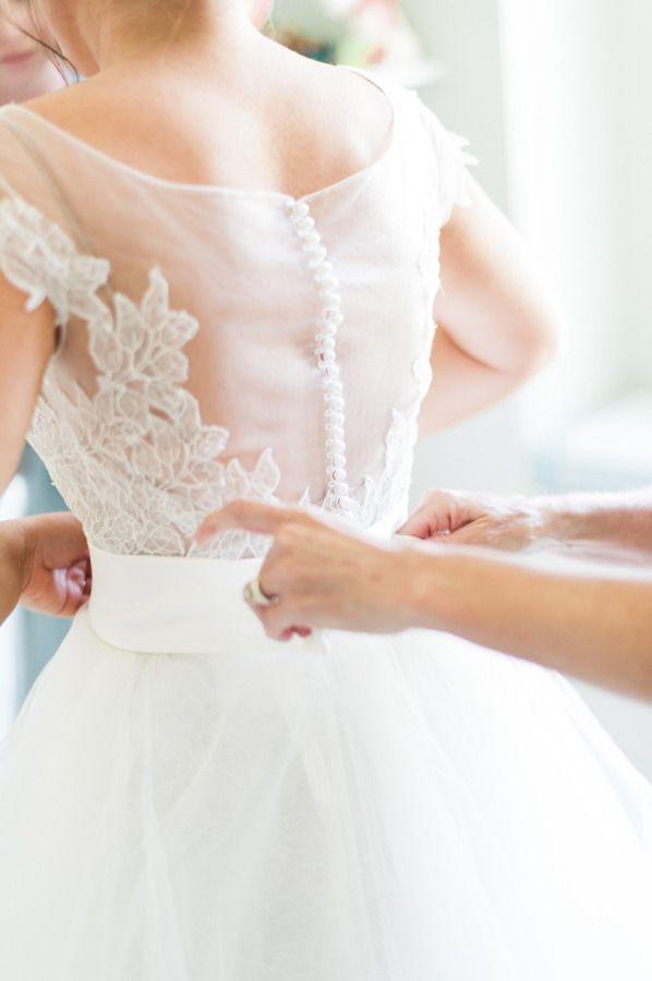 Dreamy Watters gown: http://www.stylemepretty.com/2015/08/03/elegant-ann-arbor-michigan-backyard-wedding/ | Photography: Kelly Sweet - http://www.kellysweet.com/
