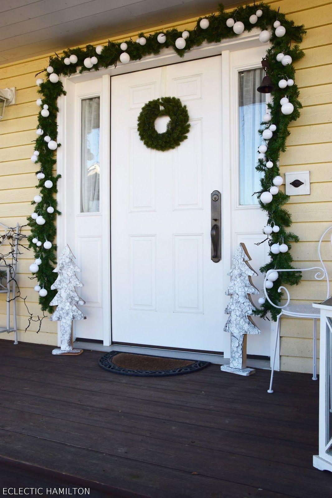 haust rdeko weihnachten auf meiner veranda tannengirlande weihnachtlich dekorieren und deko. Black Bedroom Furniture Sets. Home Design Ideas