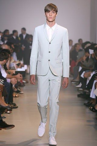 See the complete Jil Sander Spring 2008 Menswear collection.