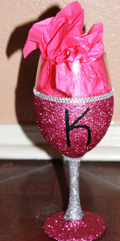 Monogrammed Bling Glitter Wine Glass 12 00 Via Etsy With Images Glitter Wine Glass Wine Glass Decor Wine Glass Crafts
