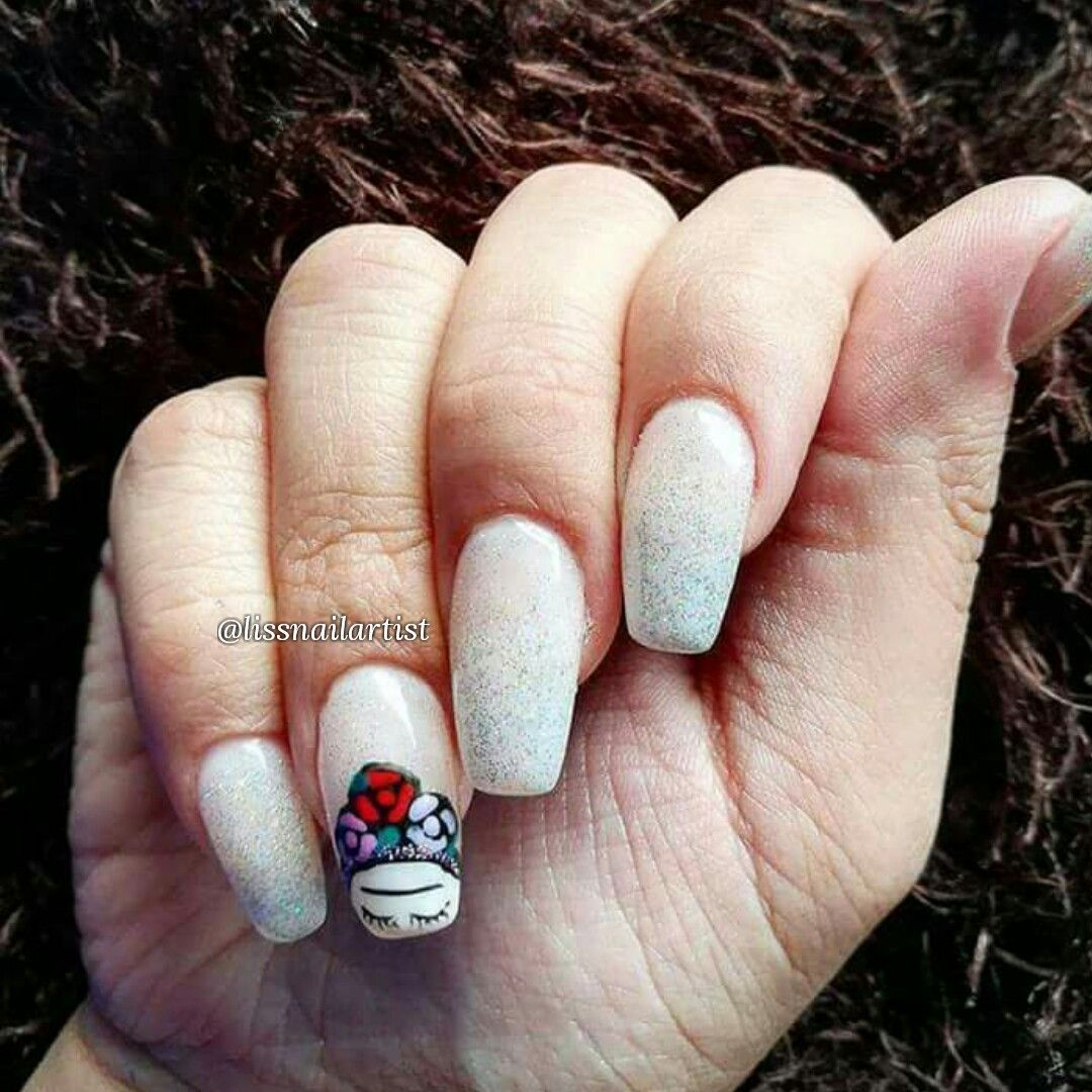Frida Kahlo acrylic nails gelpolish viñadelmar chile lissnailartist Freehand Hand painted ombre french degrade