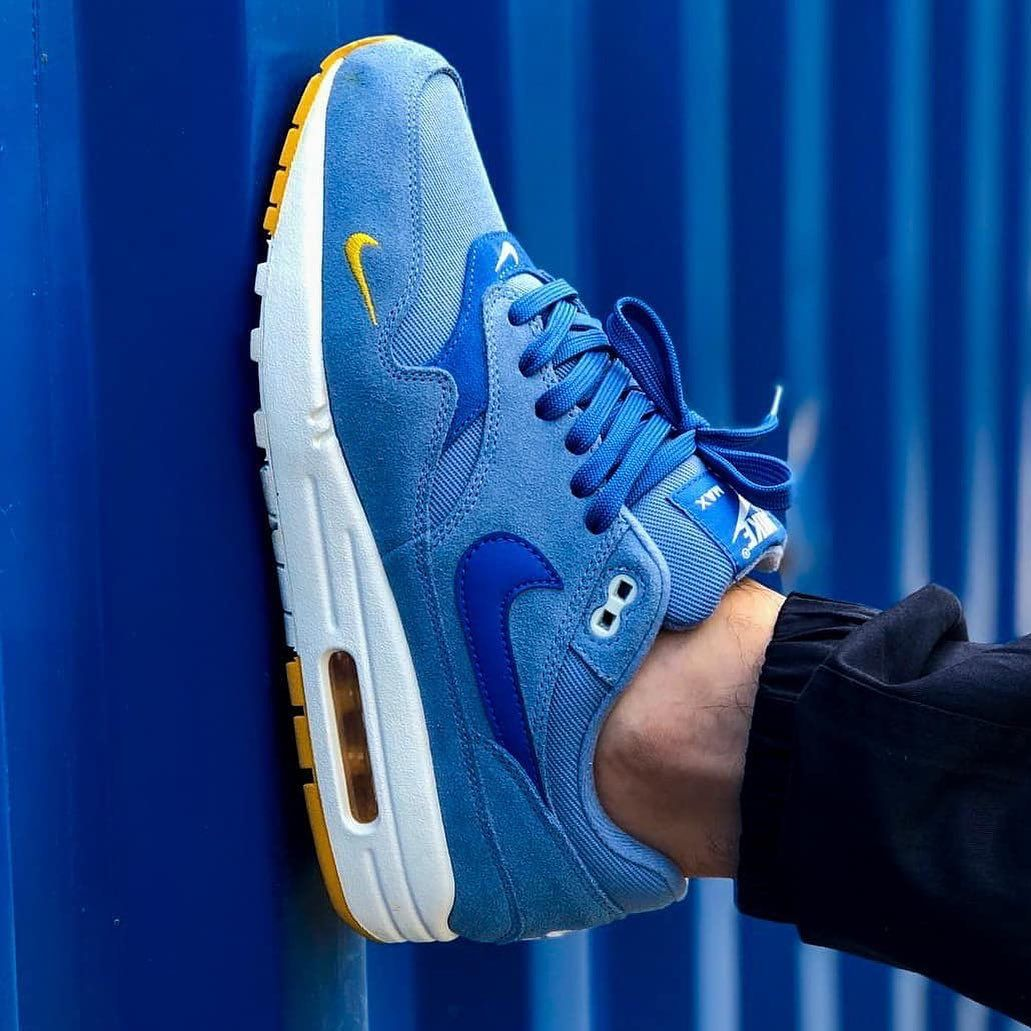 Nike Airmax 1 x Mini Swoosh • Shoutout to @sneakersmalbac on this dope AM1! The
