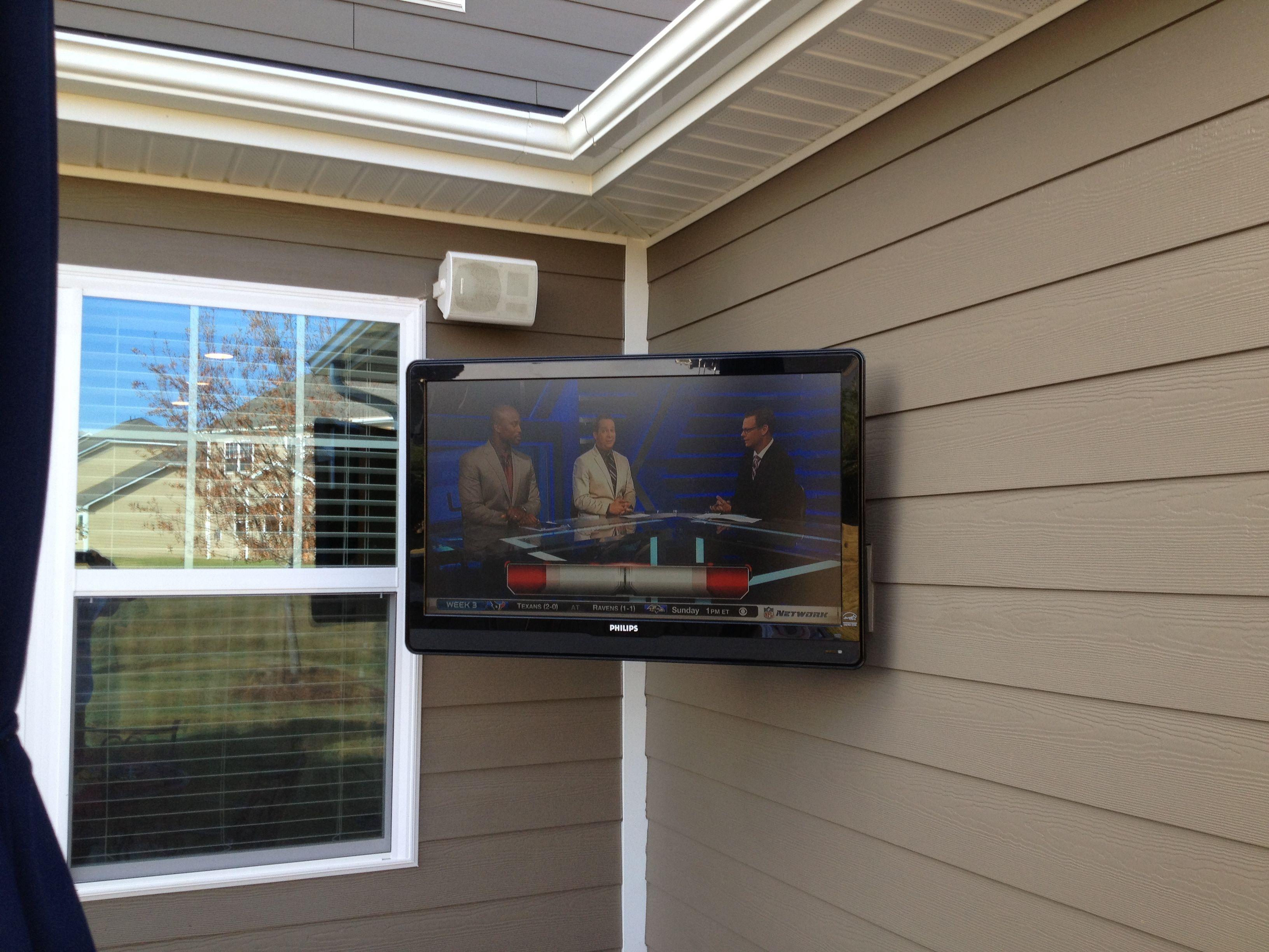 outdoor flatscreen tv installation