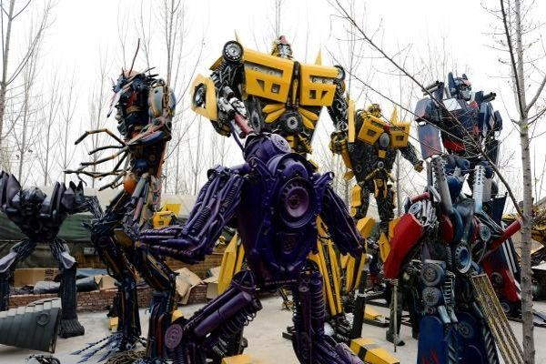 Chinese farmers build their own incredible Transformers out of car parts By Tori Floyd | Daily Buzz There's definitely more to these Transformers than meets the eye. Industrious (and perhaps slightly bored?) farmers in rural China have built their own versions of the iconic Transformer robots out of car parts.