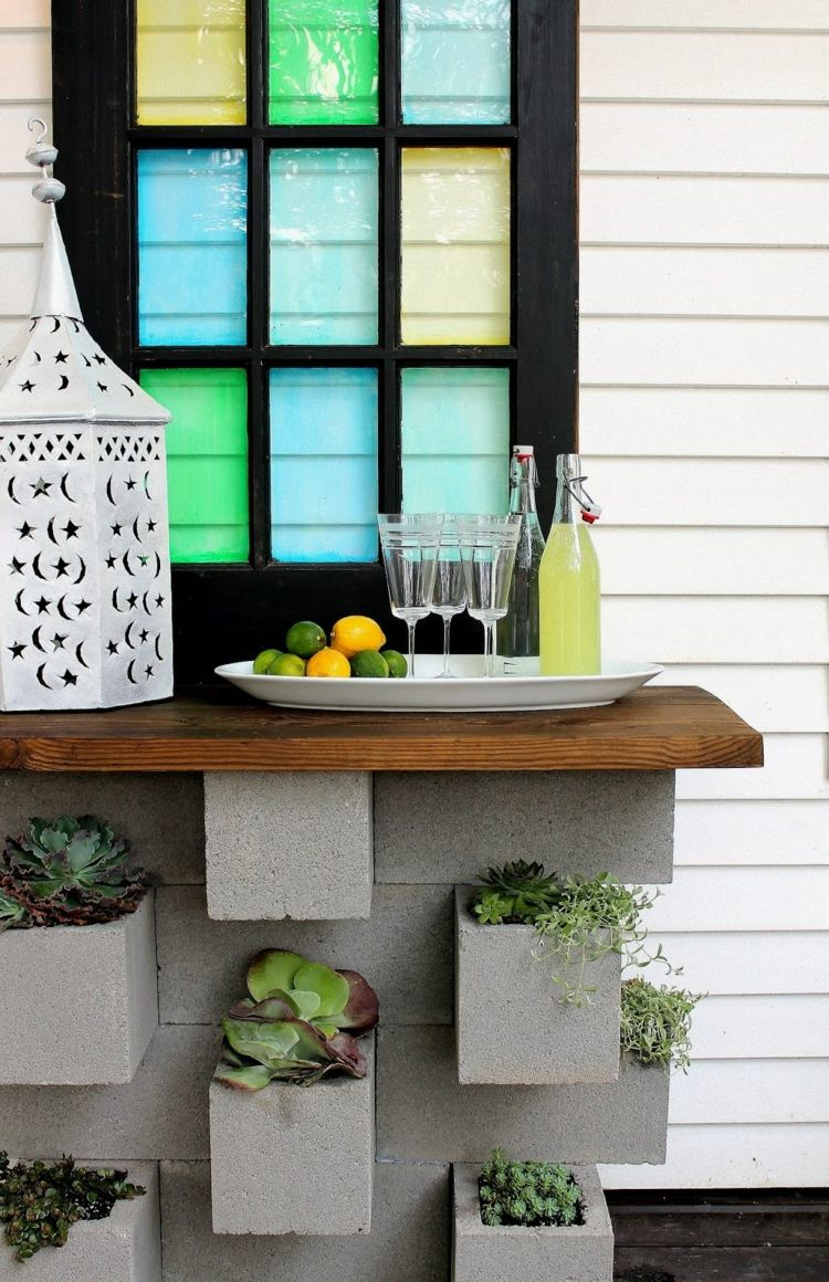 Stehtisch für Garten aus Betonblöcken und Holzplatte   Estílos ...