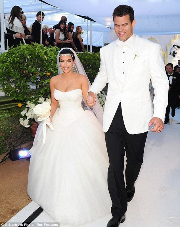 Kim Kardashian Knew Kris Humphries Marriage Would End On Honeymoon Kim Kardashian Wedding Dress Kim Kardashian Wedding Kardashian Wedding