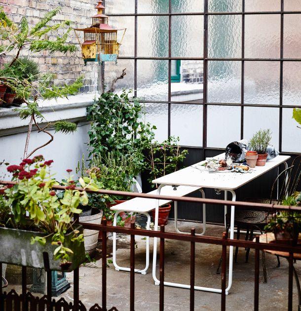 Ikea Ps Tisch klappbarer ikea ps 2014 tisch in weiß mit topfpflanzen und klappbare