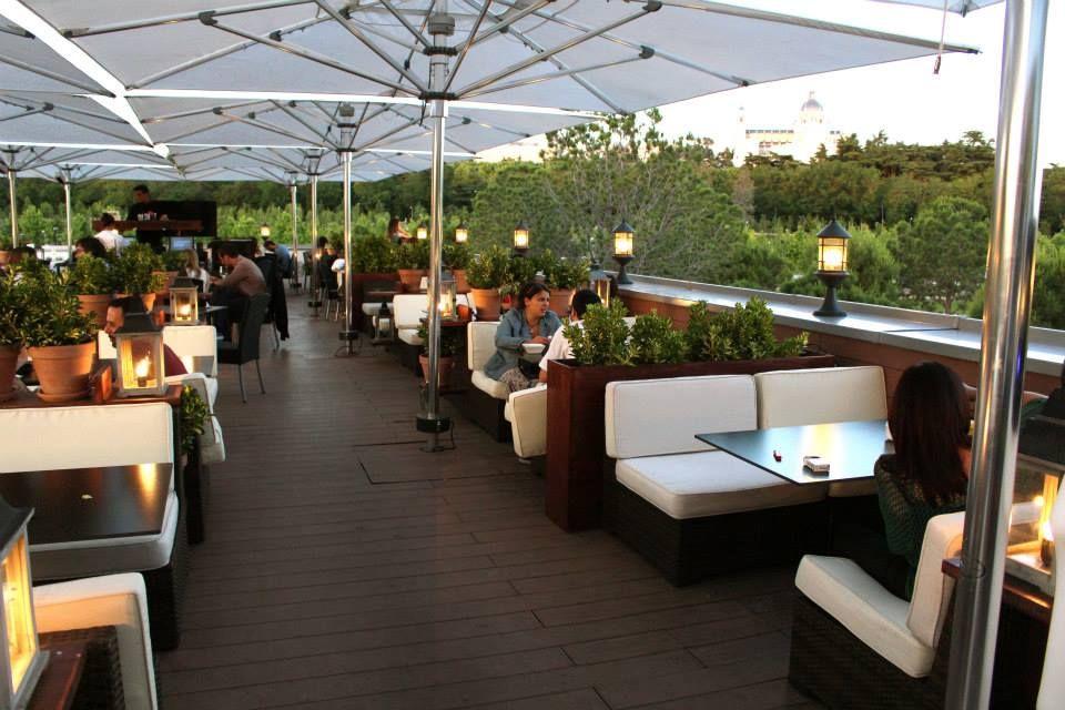 Guia Eat Love De Lo Mejor Del Terraceo Madrileno Eat Love Madrid Restaurante Al Aire Libre Restaurante Exterior Hotel De Diseno