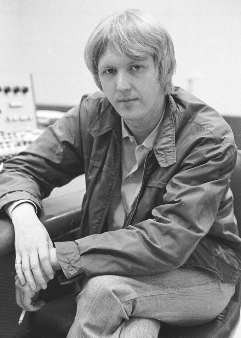 """A great little discography of Harry Nilsson 7"""" singles"""