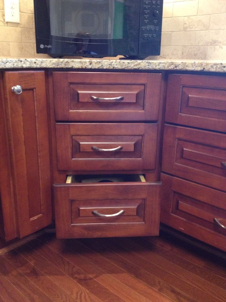 Corner Drawers Are Fully Accessible U Shaped Pulls Are Easier