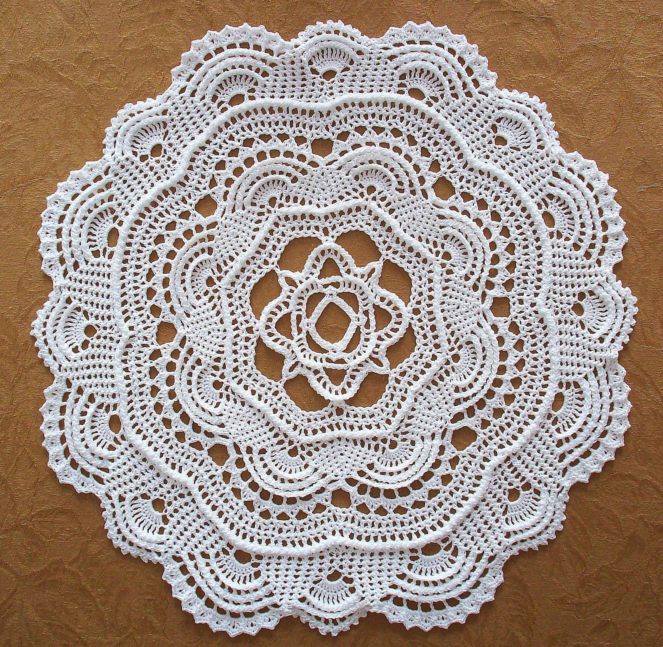 Round ribbed doily crochet hooks cord and steel crochet pattern for the round ribbed doily dimensions about 18 inches in diameter materials bankloansurffo Image collections