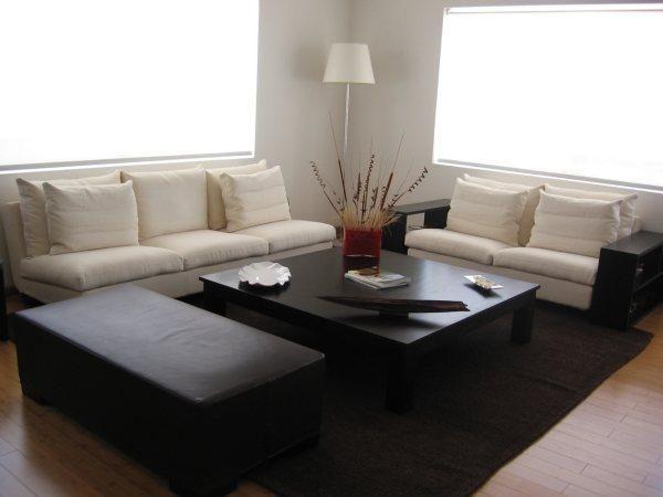 Decoración Minimalista y Contemporánea: Sala minimalista color hueso ...