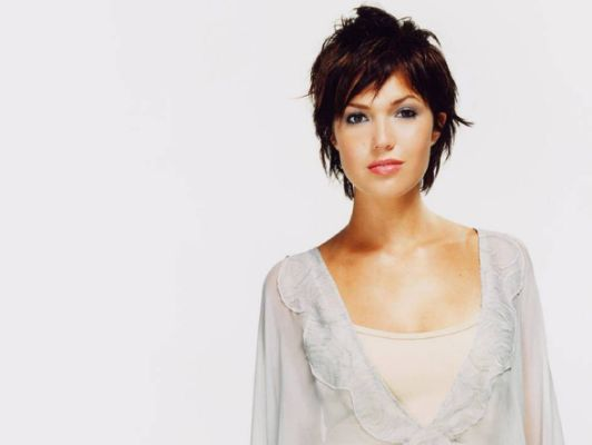 Celebrity Hairstyle: mandy moore