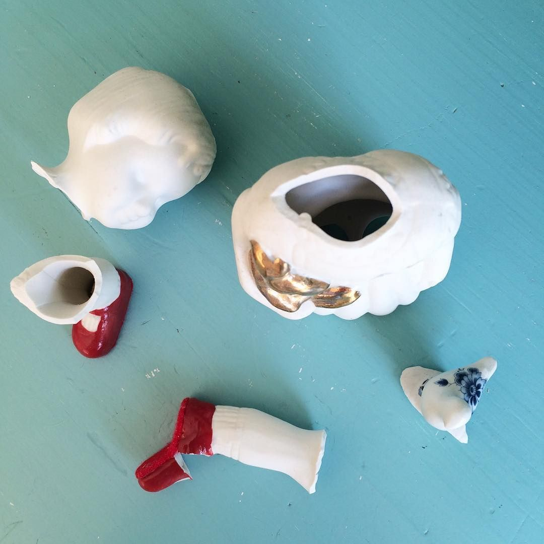 Another broken porcelain Clonette doll, Lammers en Lammers :(