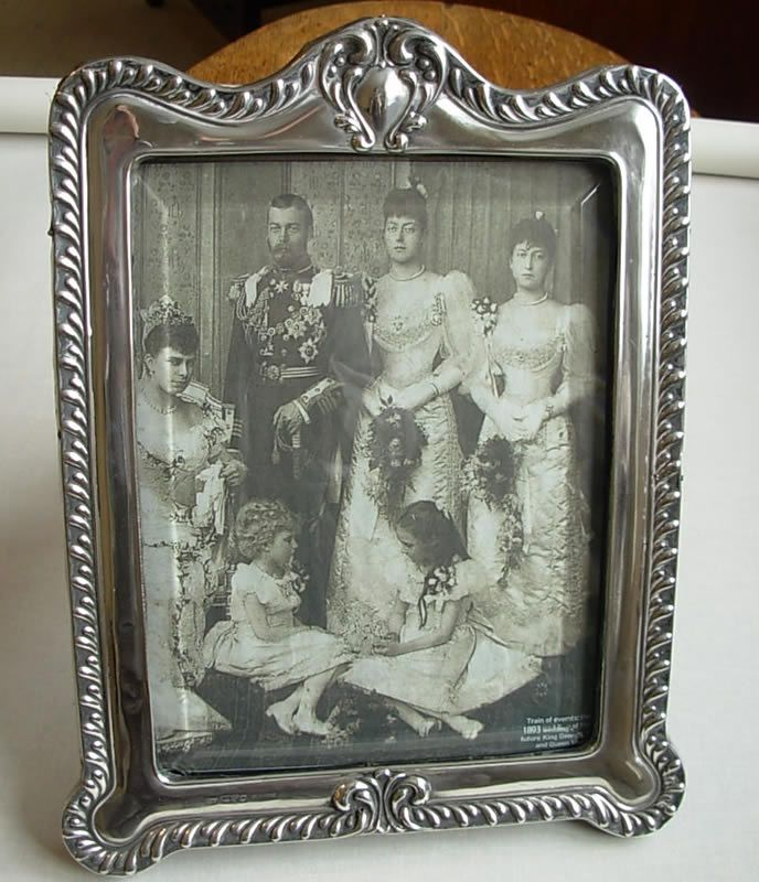 Antique Silver Photograph Frame | PICTURE FRAMES | Pinterest | Glass ...