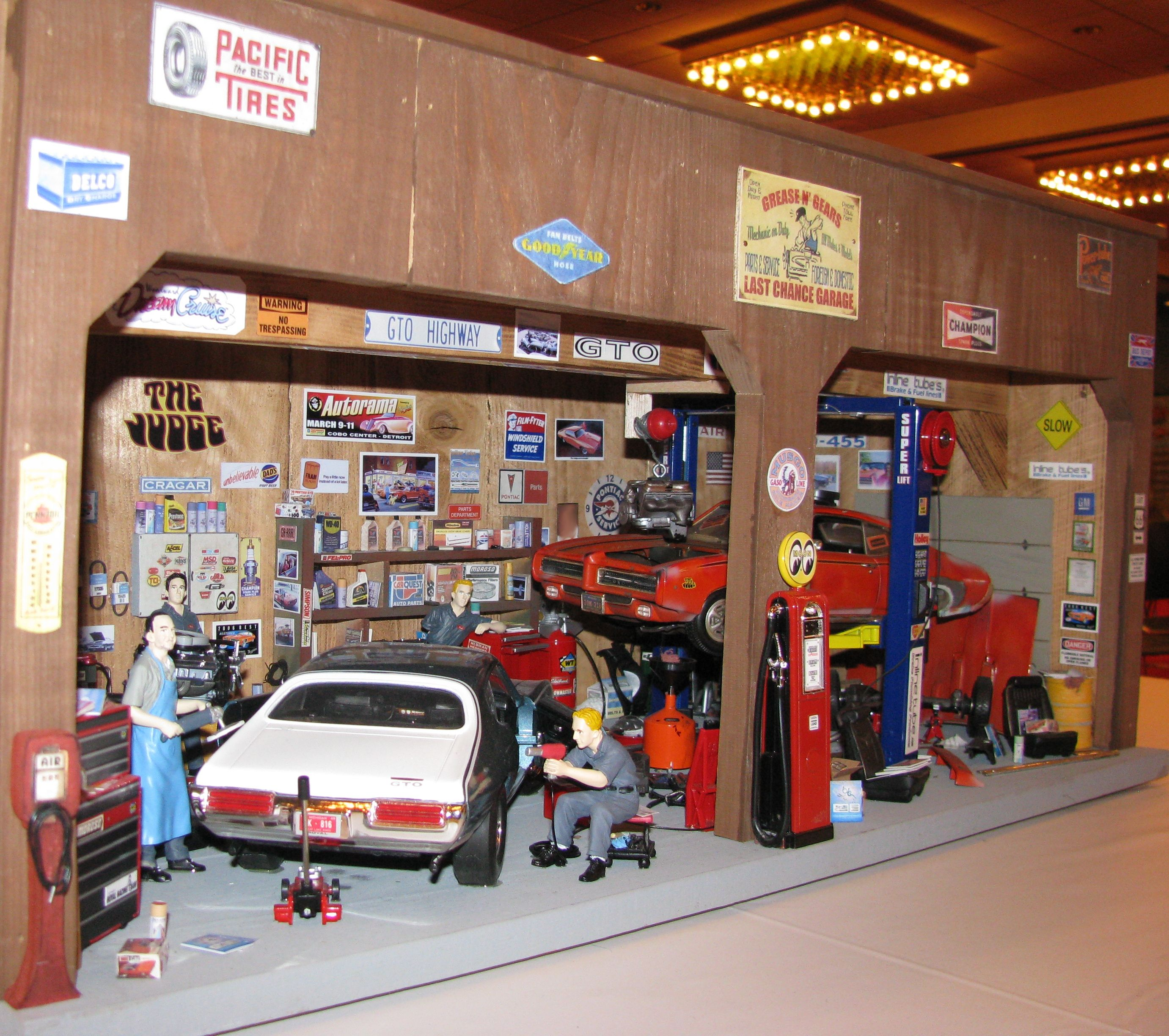 Nascar race track diorama models diorama 39 s pinterest for Maquette stand