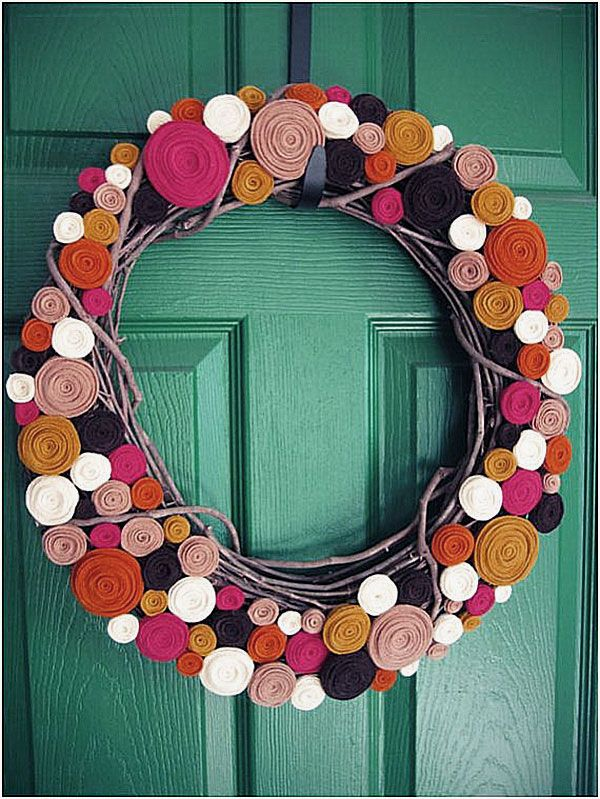 modern colorful rolled felt wreath design ideas