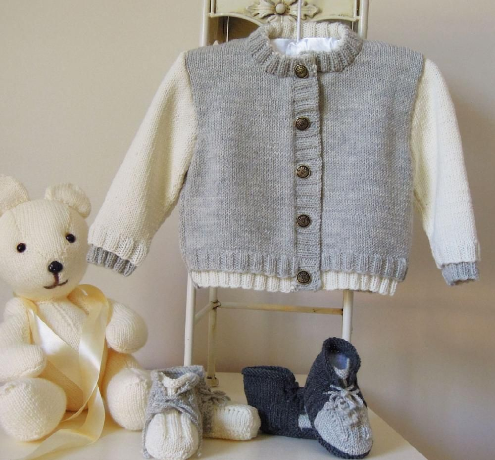 d55bc8909b136 Baby two tone sweater with matching boots