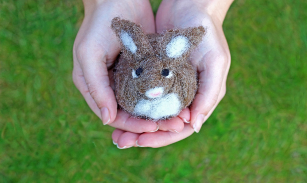 Needle Felting Gives Us All the Feels: Easy Tips and Tricks for Beginners #feltcreations