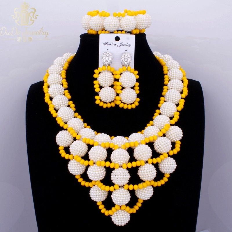 2017 Latest White And Yellow Plastic Simulated Pearl Balls Dubai ...