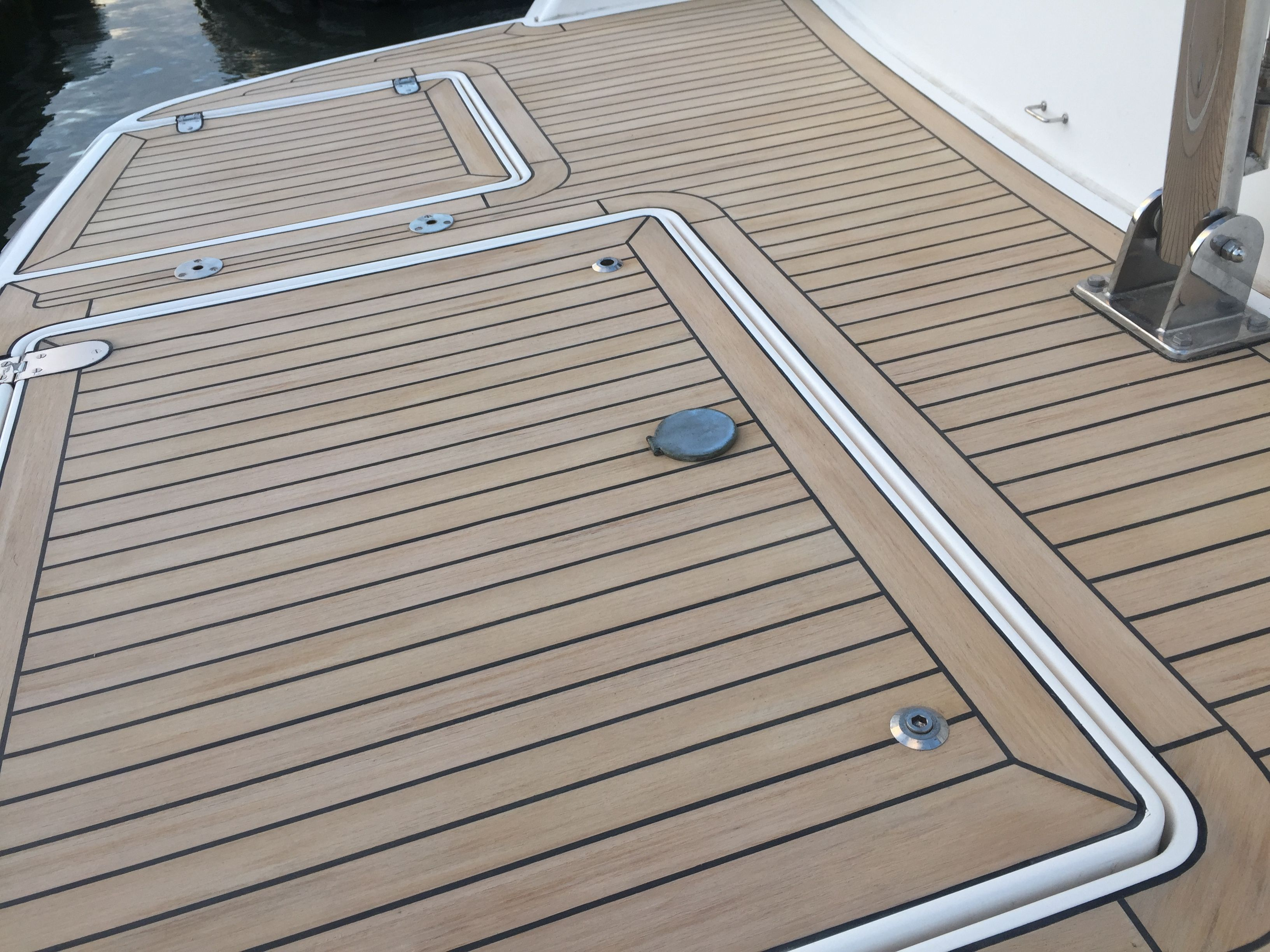floor hull to quality our flooring of aquatraction finish low products boat