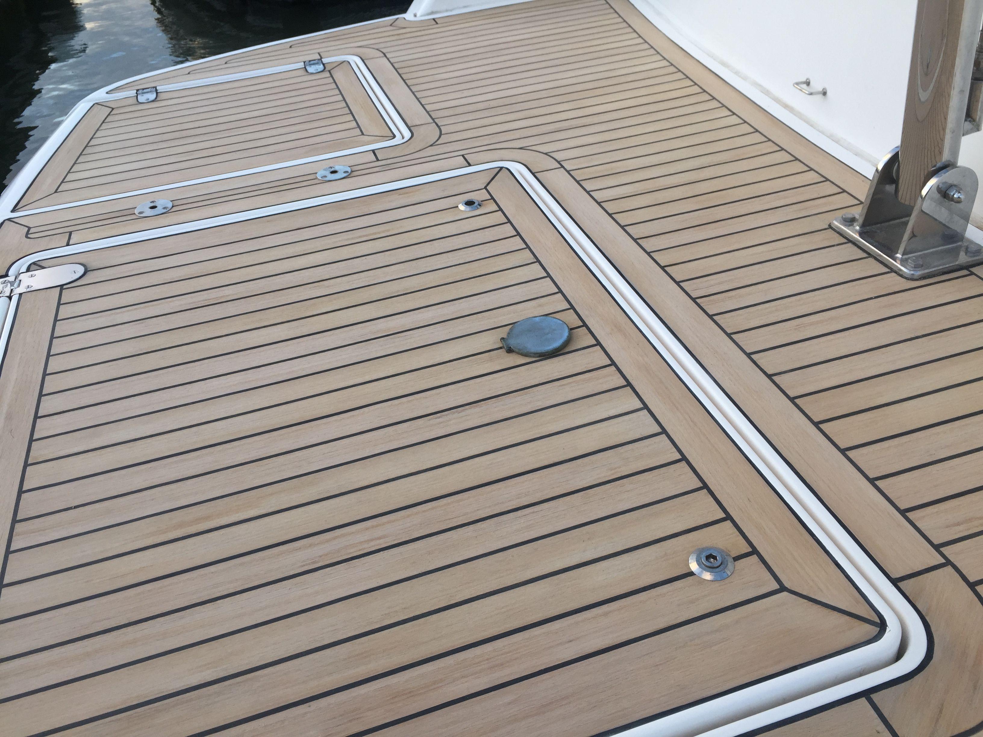 Marine vinyl woven flooring for Plastic decking material