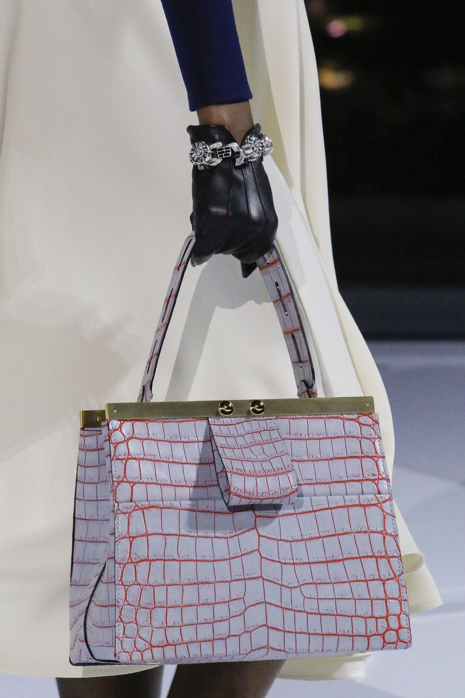 c6aacf23692a Louis Vuitton Fall 2018 Ready-to-Wear Fashion Show   Handbags ...