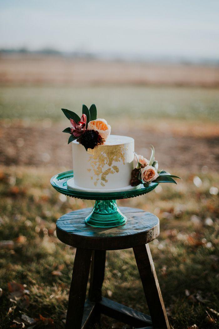 Winter Elopement Inspiration in Colorado Winter Elopement Inspiration in Colorado | Intimate Weddings - Small Wedding Blog -