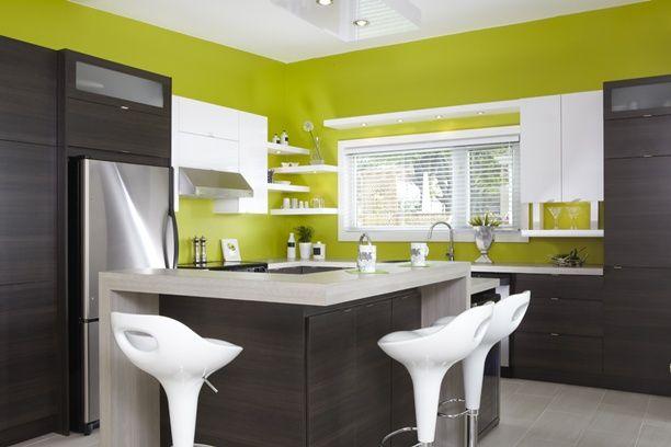 Armoires de cuisine de style moderne. La majorité de ces armoires de ...
