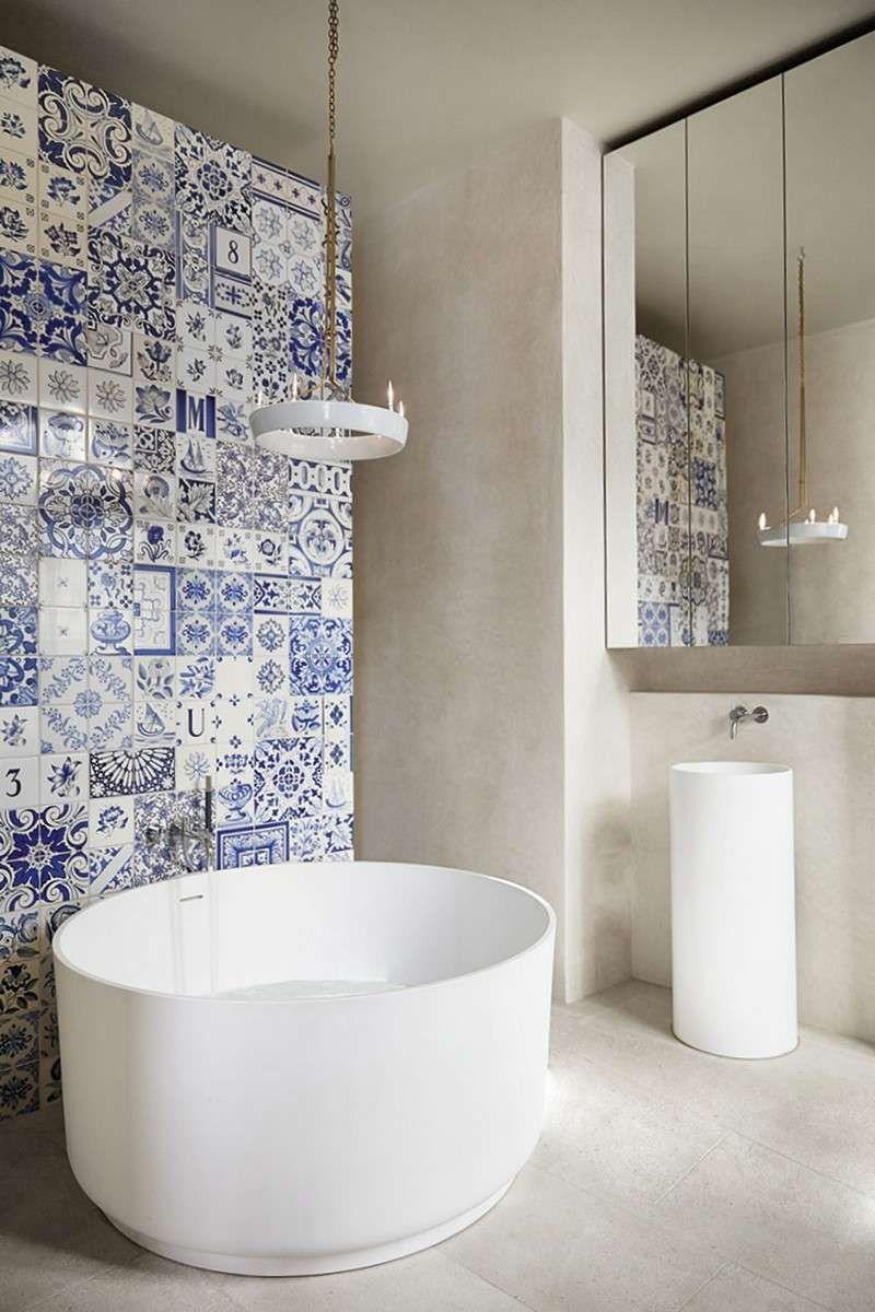 Salle de bain moderne les tendances actuelles en 55 for Petit carreaux salle de bain