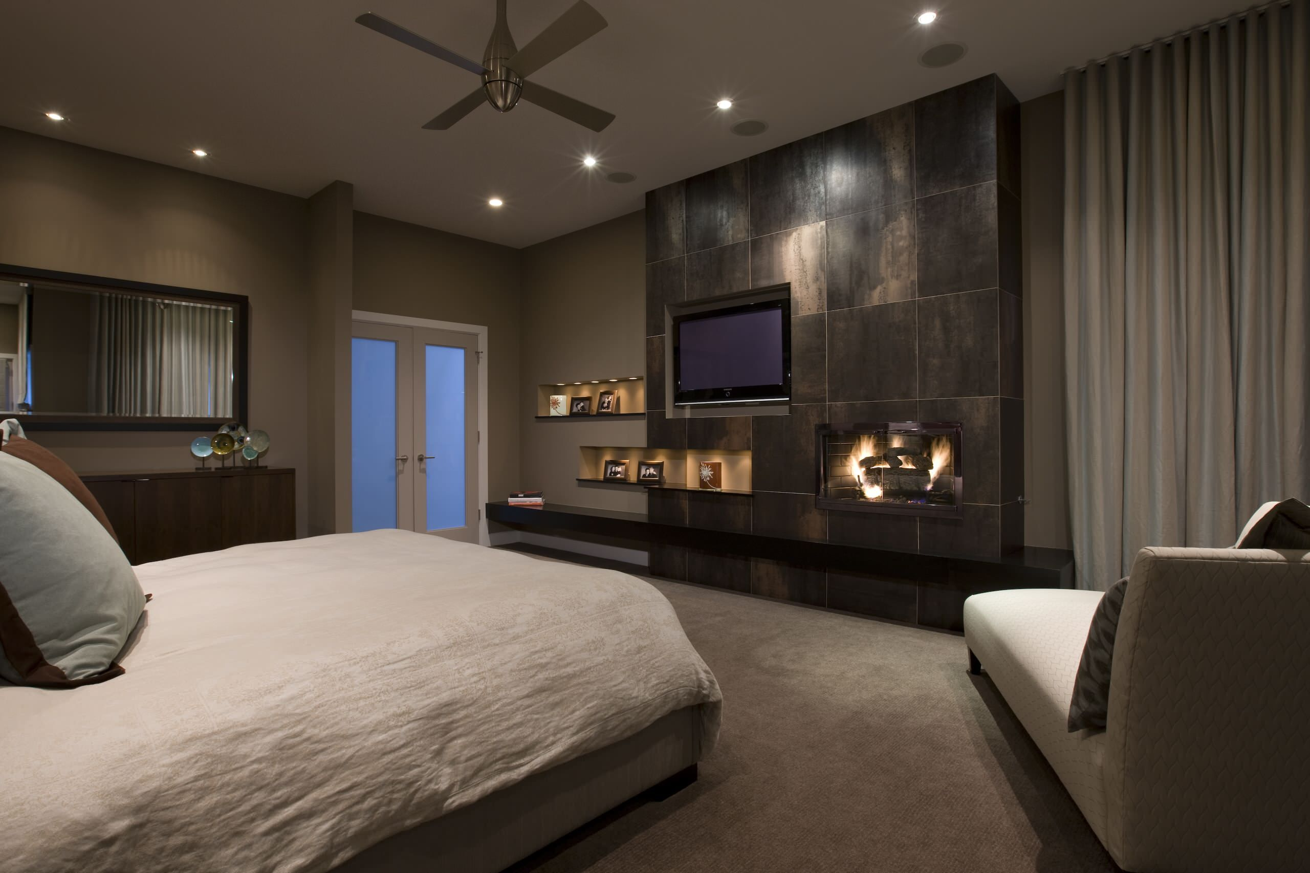 modern master bedroom with fireplace. Master Bedroom Design Modern With Fireplace D