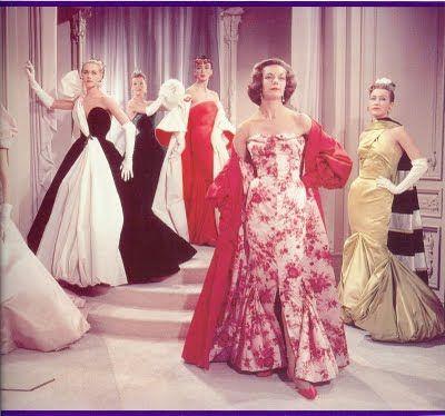 HELEN ROSE, diseñó el fabuloso vestuario de la comedia Designing Woman, protagonizada por Lauren Bacall y Gregory Peck en 1957.