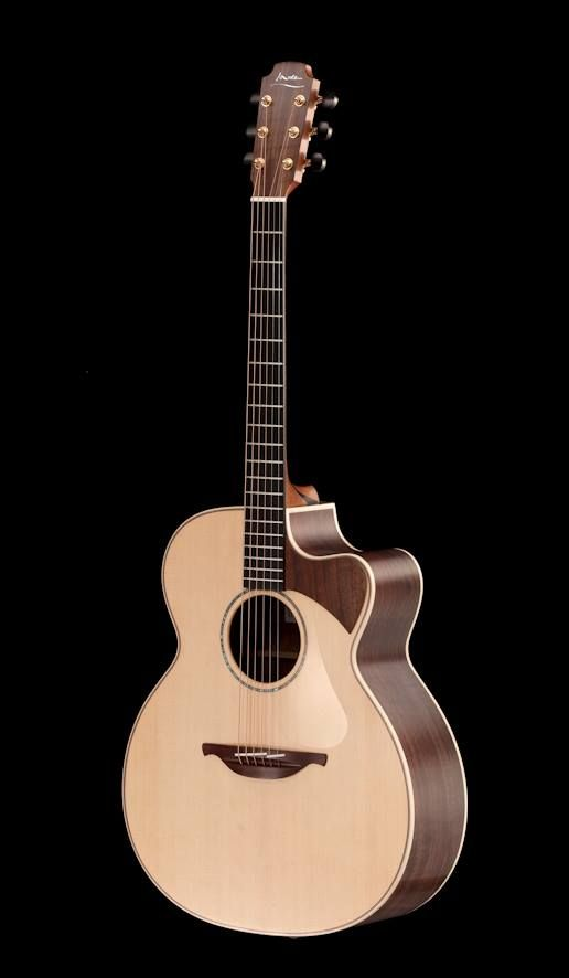 Lowden Thomas Leeb Signature Model Made By Luthier George Lowden Of Lowden Guitars Telephone 44 0 28 44 61 91 61 31 34 Do Guitar Acoustic Guitar Acoustic