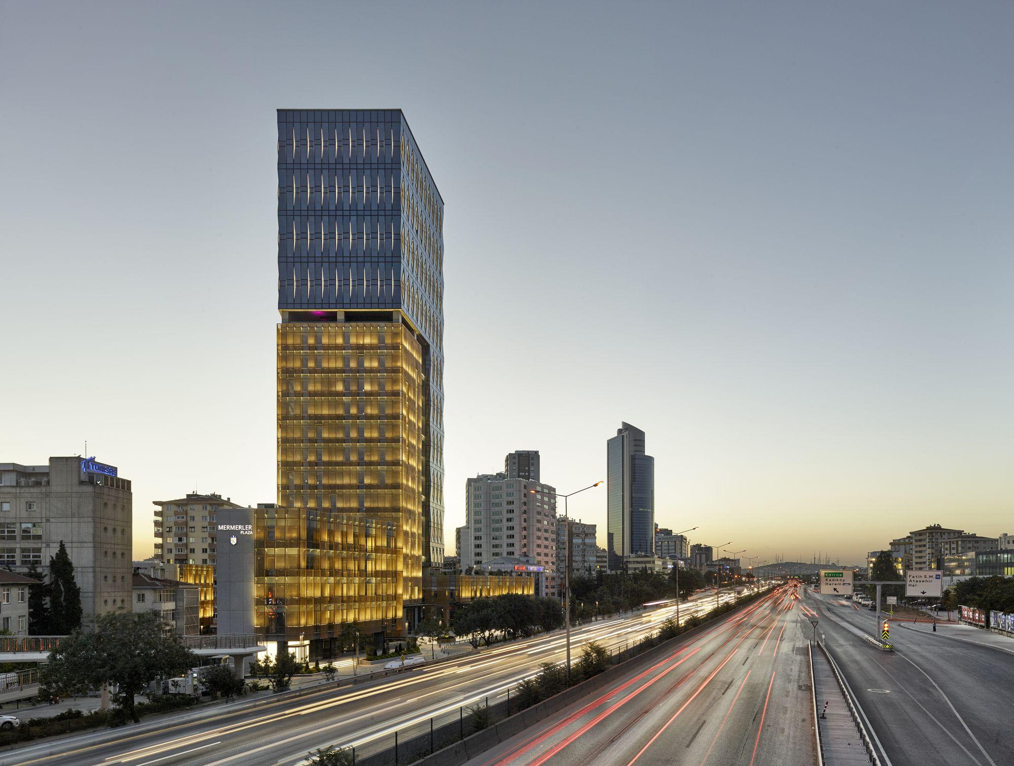 Plaza Mermerler / Ergün Architecture