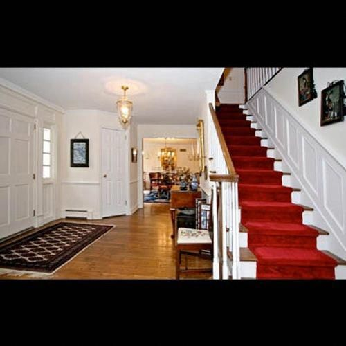 Best J Lo Love The Red Carpet On Stairs Banisterremodel 640 x 480