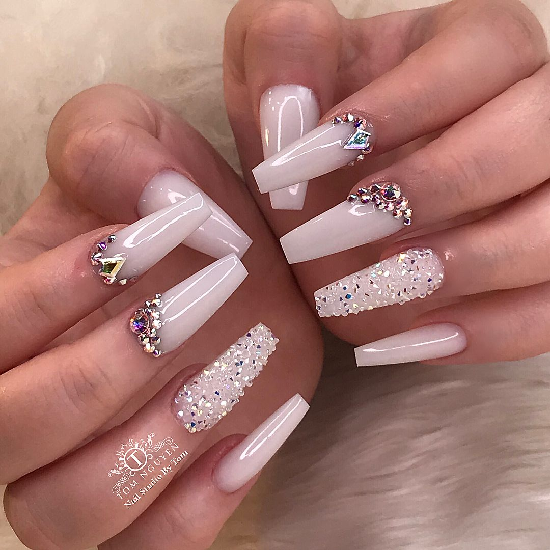 Elegant Milky White And Swarovski Crystals Nail Look As Requested Tag A Friend Who Would Wear Theses Nails Luxury Nails Swarovski Nails Glamour Nails