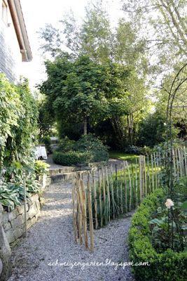 Ein schweizer garten gartensitzplatz im schatten garten for Garten idee schatten