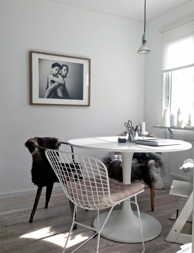 Superbe Portrayal Of IKEA Tulip Table To Present Hassle Free And Minimalist Details