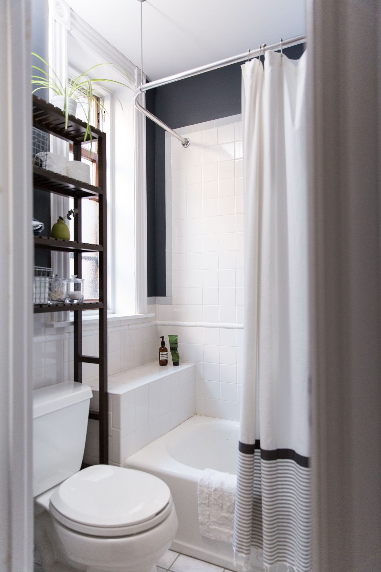 Here are the Best Paint Colors for Your Small Bathroom   Bathroom ...