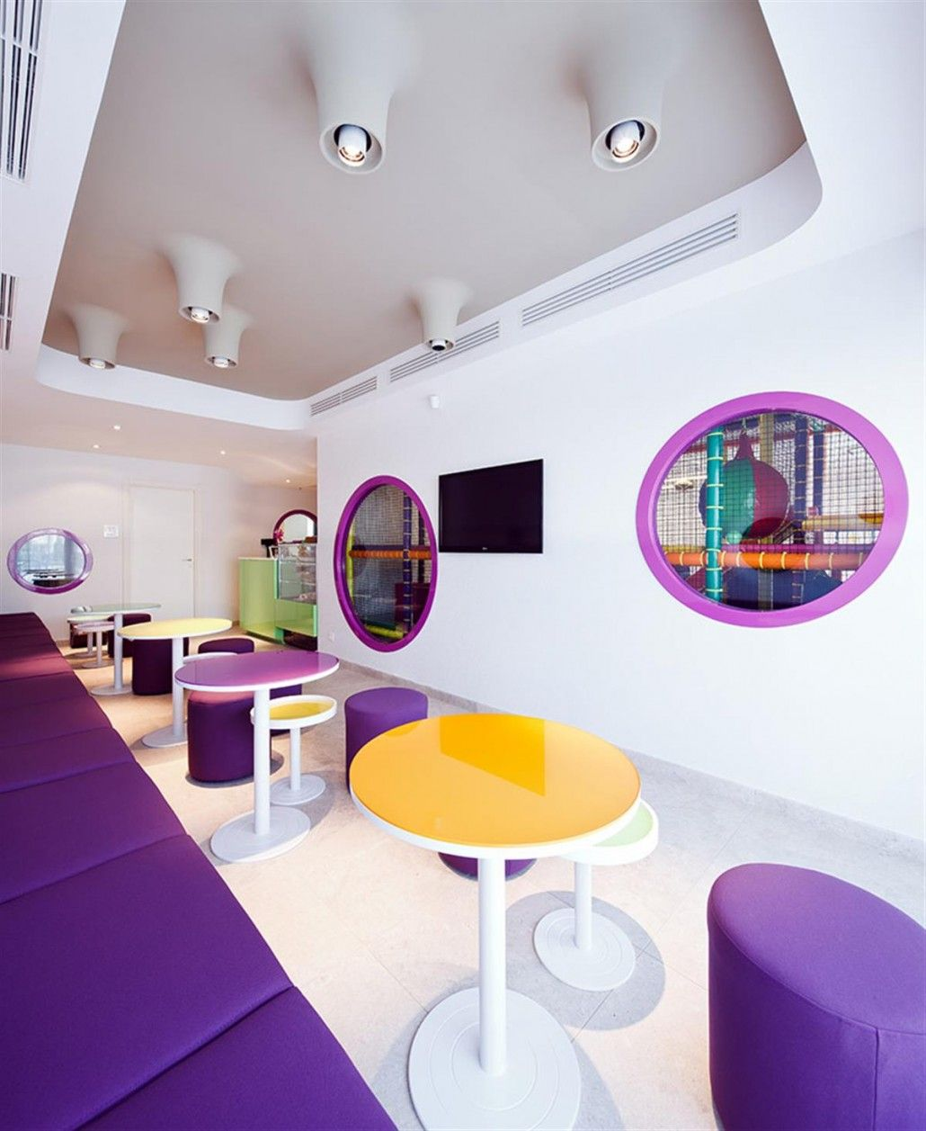 Colorful-cafe-design-and-purple-sitting-area