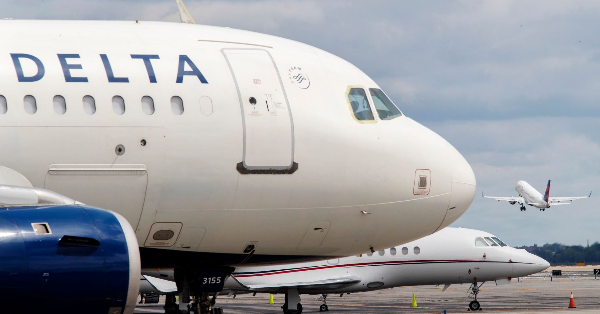 Delta Tried To 'Trap' Its Own Flight Attendants On A Plane