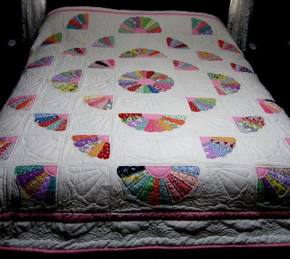 Grandmother S Fan Hand Quilted Queen Size Quilt Quilt Patterns Quilts Bargello Quilts