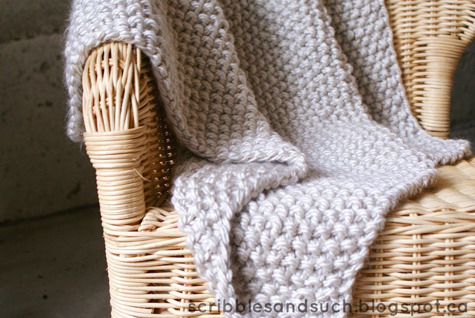 Chunky Knitted Baby Blanket - free pattern    scribblesandsuch ...