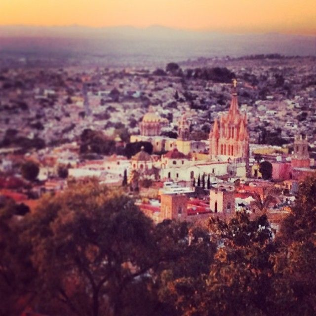 Ready to upgrade your LifeSTYLE and start creating the life you CRAVE? Join me and other creative, entrepreneurial women in San Miguel de Allende, Mexico for the Sweet Spot Mexico Retreat. 5 nights. 6 days.   Sign up before Oct 31 and save $200!