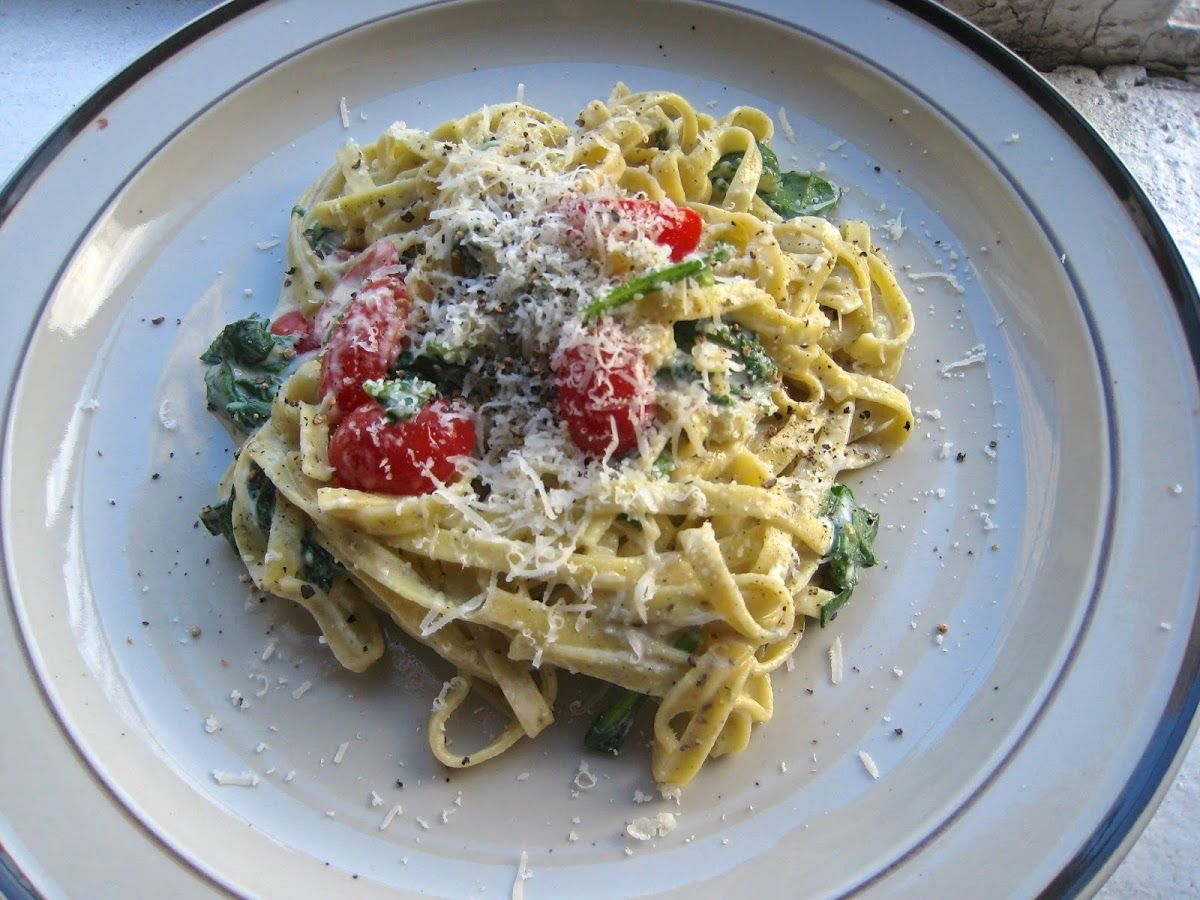 Linguine With Goat Cheese, Spinach And Grape Tomatoes With Whole Milk, Goat Cheese, Par… (With ...